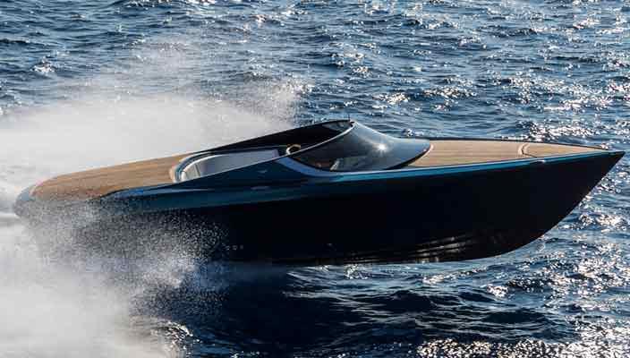 Катер Aston Martin Quintessence AM37S сделали еще мощнее