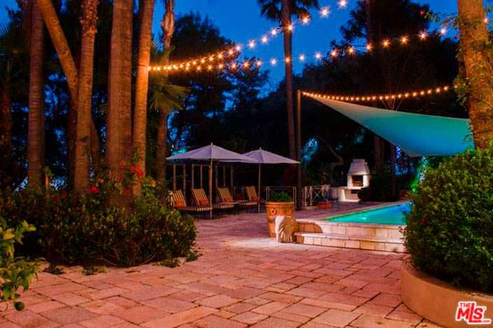 Терраса у дома Кэти Перри в Лос-Анджелесе