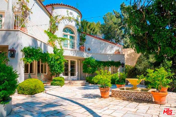 Дом в средиземноморском стиле певицы Кэти Перри