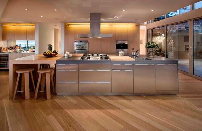 Дизайн кухни с большим островом