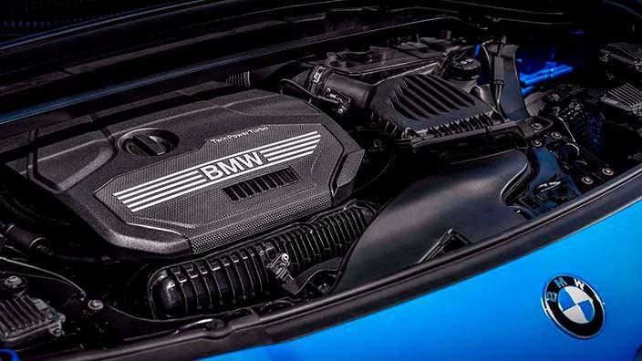 Двухлитровый двигатель под капотом BMW X2