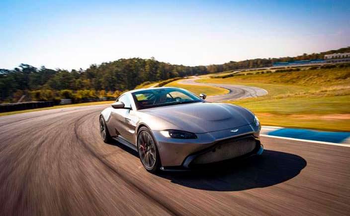 Спортивное купе Aston Martin Vantage