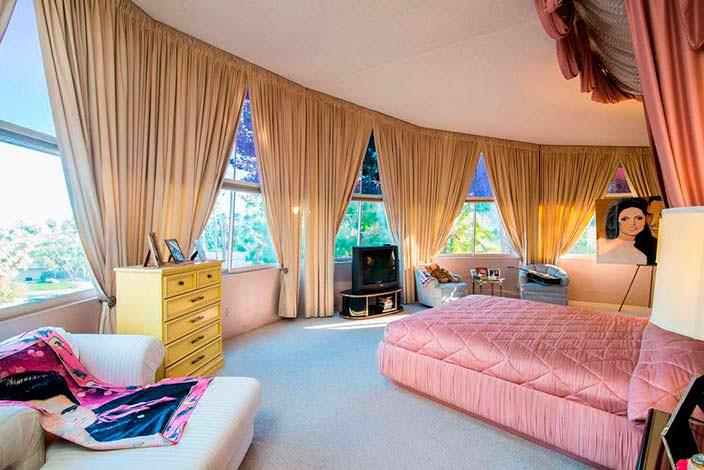 Недвижимость, где провели медовый месяц Элвис и Присцилла Пресли
