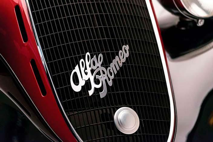 Радиаторная решетка Alfa Romeo 6C 2500 SS Spider