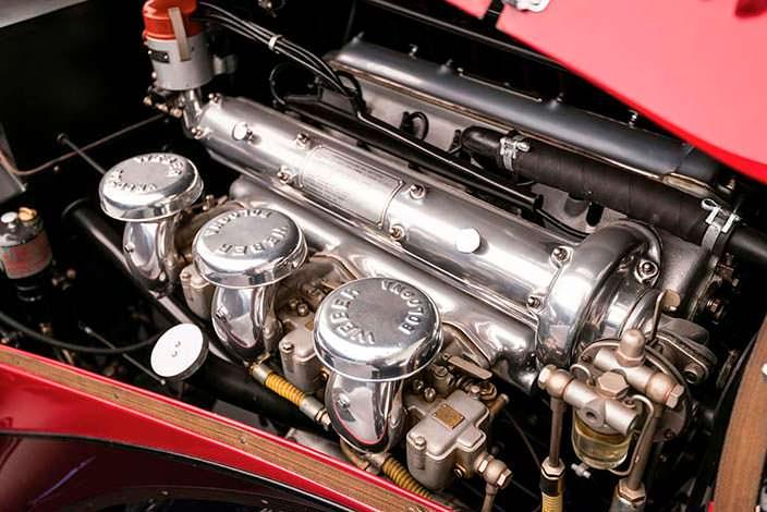 Двигатель 2,4-литра V6 в Alfa Romeo 6C 2500 SS Spider