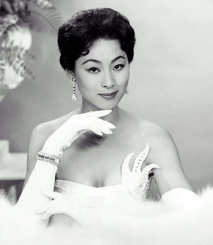 Акико Кодзима Мисс Вселенная 1959