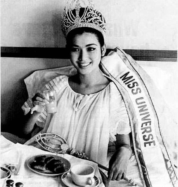 Aпасра Хонгсакула - 14-я Мисс Вселенная