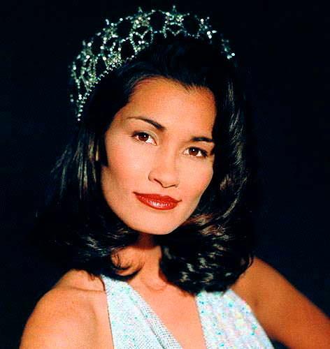 Брук Махеалани Ли - Мисс США 1997