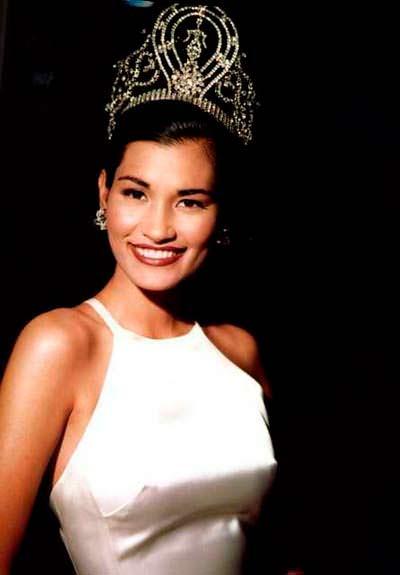 Брук Махеалани Ли - Мисс Вселенная из США