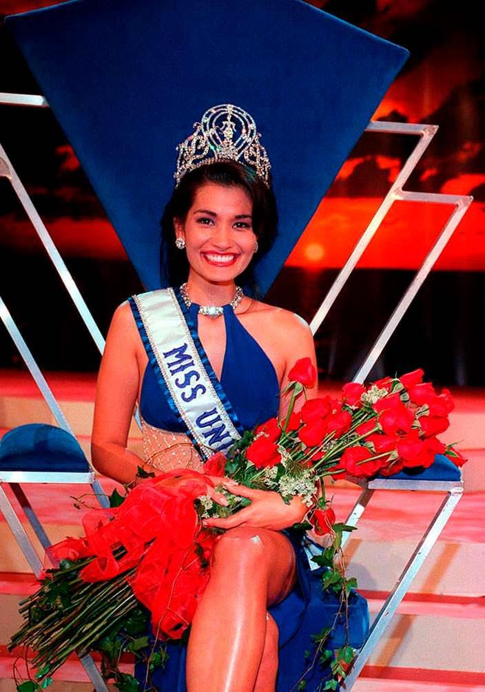 Брук Махеалани Ли - 46-я Мисс Вселенная