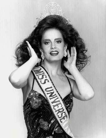 Сесилия Болокко - Мисс Вселенная из Чили