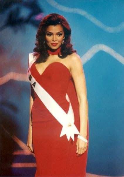 Челси Смит - чёрная Мисс Вселенная