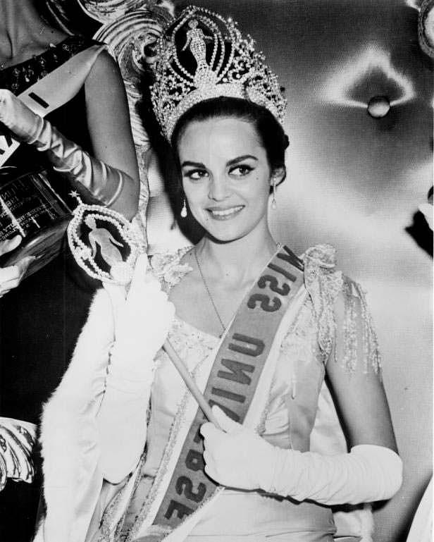 Коринна Тсопей 13-я Мисс Вселенная