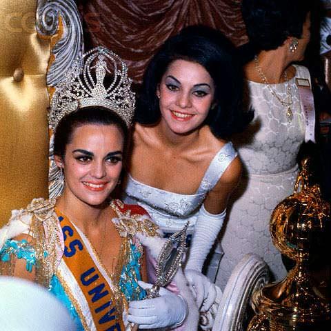 Коринна Тсопей и Йеда Мария Варгас победительницы «Мисс Вселенная»
