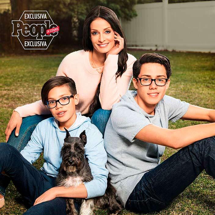 Фото | Дайанара Торрес с сыновьями