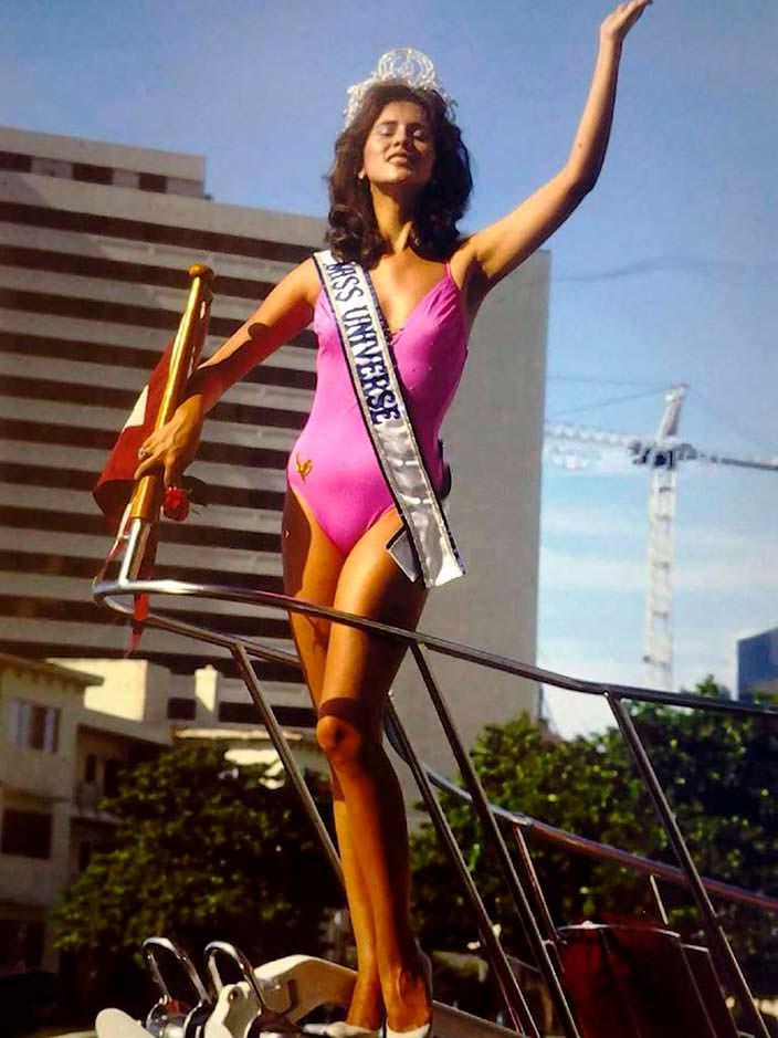 Фото | Мисс Вселенная 1984 в купальнике