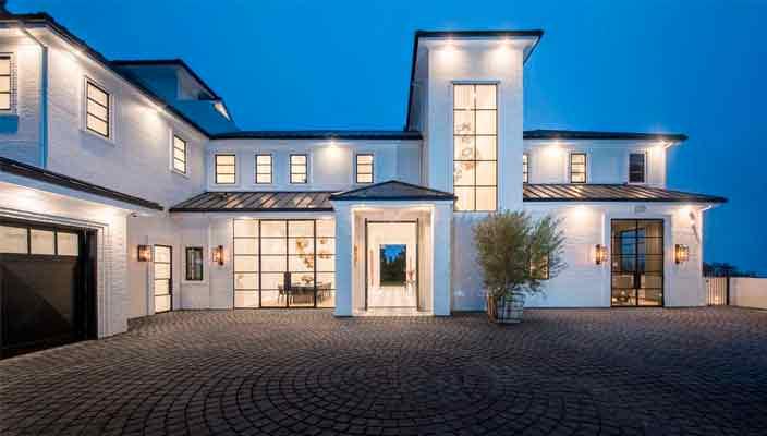 Леброн Джеймс купил новый дом в Лос-Анджелесе | фото и цена