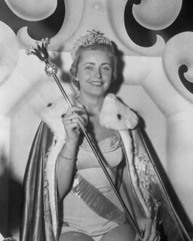 Хиллеви Ромбин Мисс Вселенная 1955
