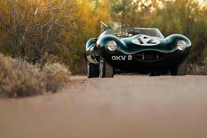 Jaguar D-Type 1954 года гонщика Стирлинга Мосса