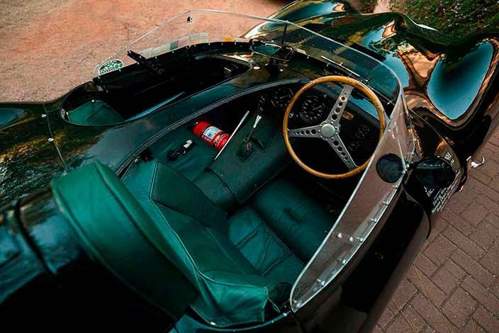 Салон гоночного Jaguar D-Type 1954 года выпуска