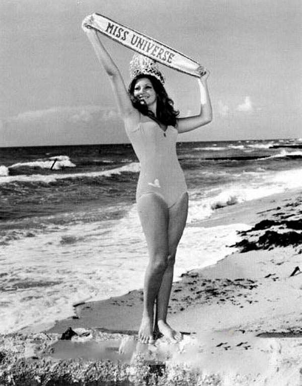 Мисс Вселенная 1972 в купальнике