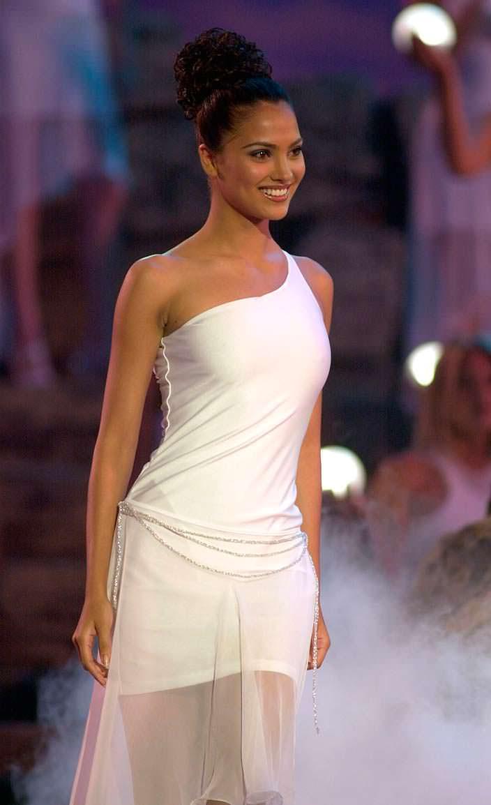 Лара Датта - 49-я Мисс Вселенная