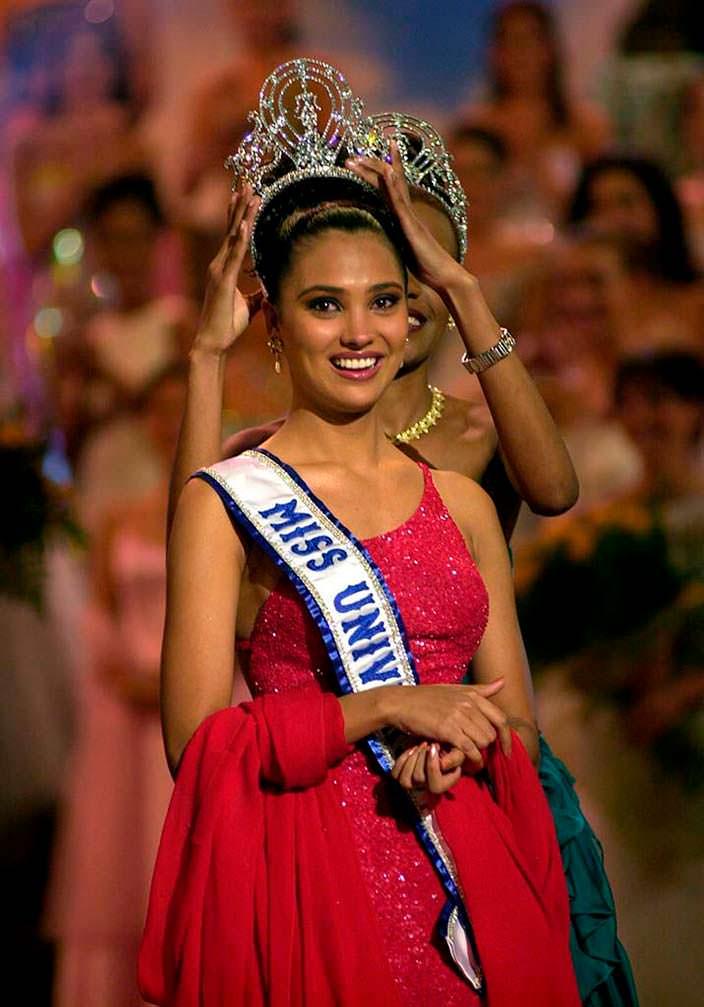 Лара Датта - Мисс Вселенная 2000