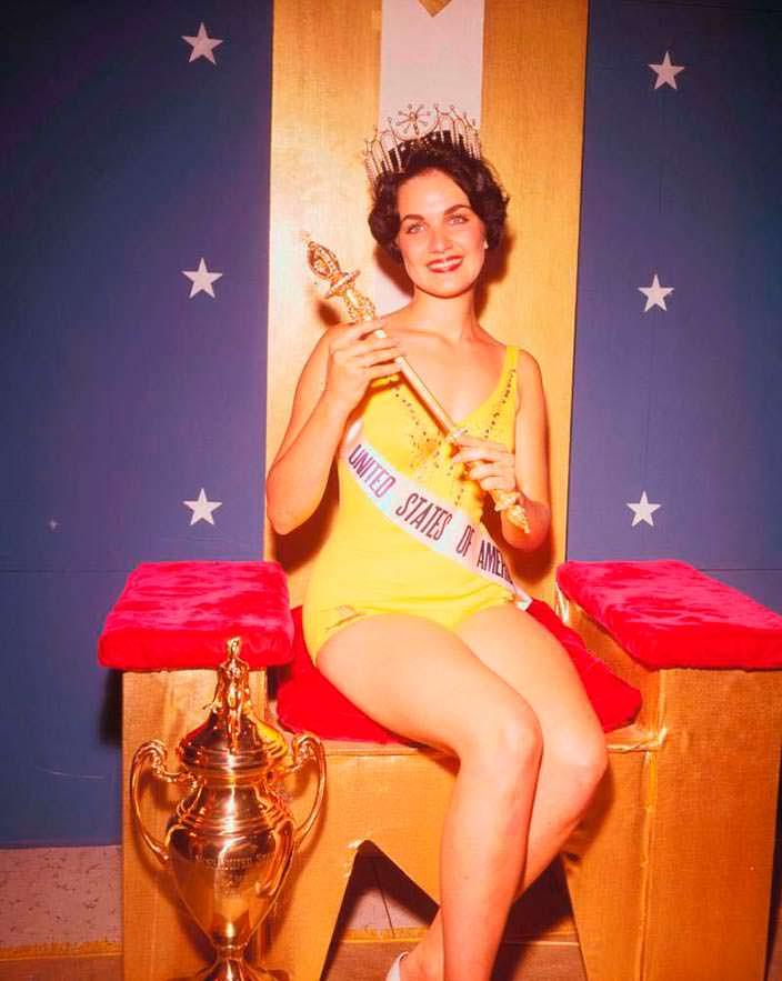 Линда Бемент 9-я Мисс Вселенная
