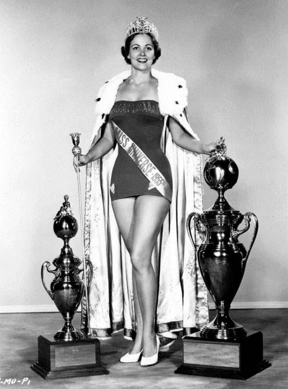Победительница Мисс Вселенная 1954