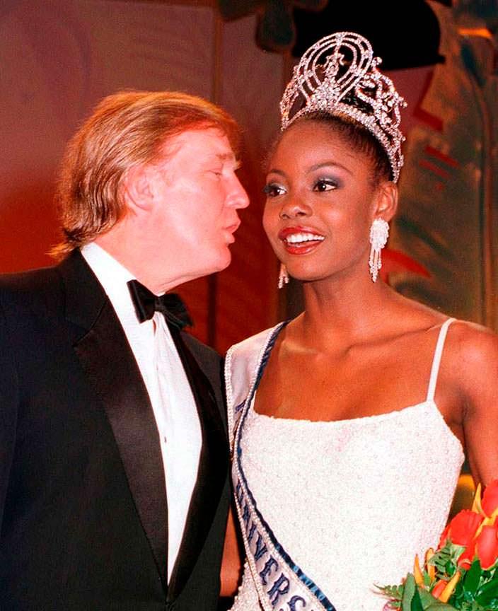 Дональд Трамп и «Мисс Вселенная 1999» Мпуле Квелагобе