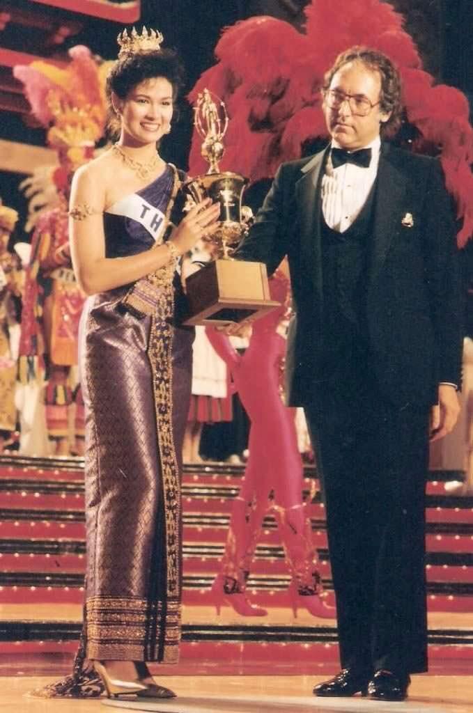 «Мисс Вселенная 1988» из Таиланда