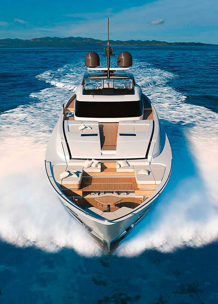 Яхат Custom Line 120 от Ferretti Group. Длина 38,36-метра