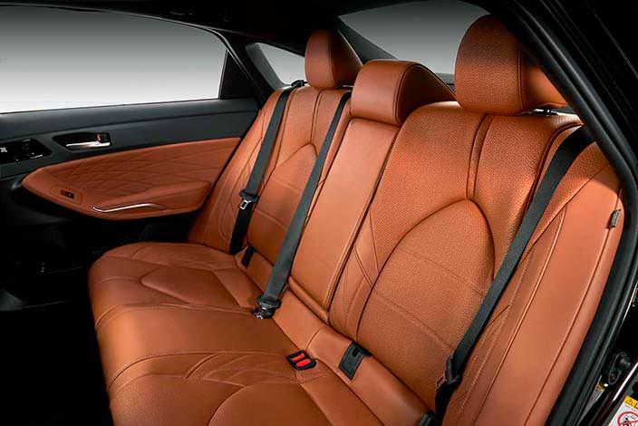 Кожаный задний диван Toyota Avalon