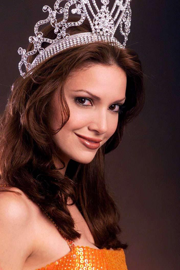 Дениз Киньонес - Мисс Вселенная 2001