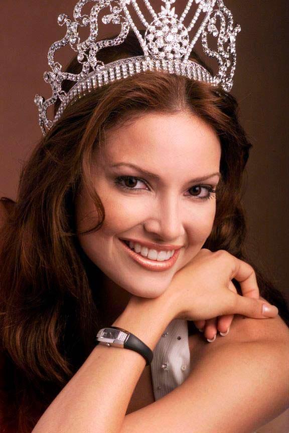 Дениз Киньонес - Мисс Вселенная из Пуэрто-Рико
