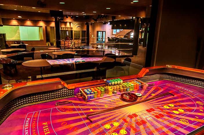 Собственная игровая комната в доме 50 Cent