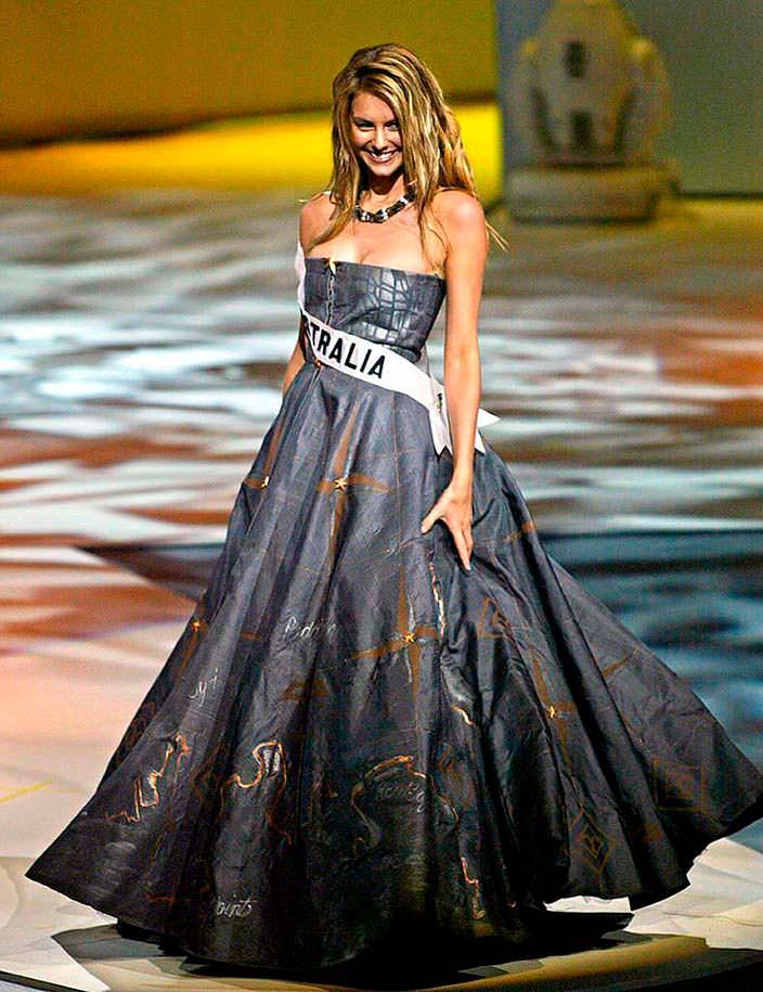 Фото | Дженнифер Хоукинс в национальном платье Австралии