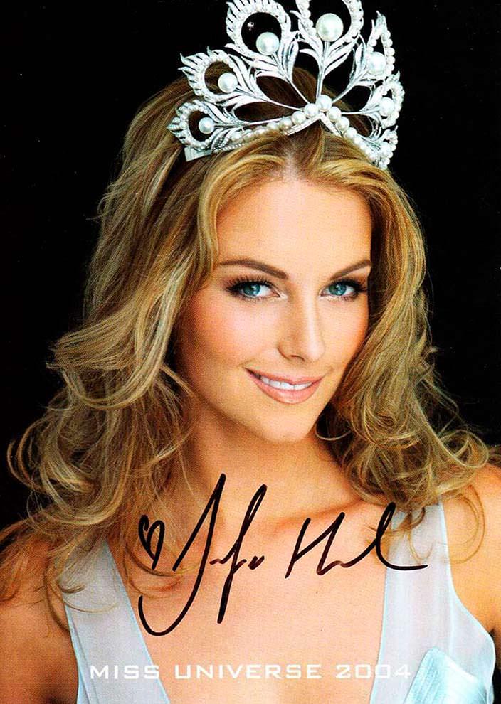 Дженнифер Хоукинс - Мисс Вселенная 2004