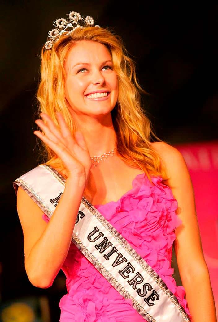 Дженнифер Хоукинс - Мисс Вселенная из Австралии