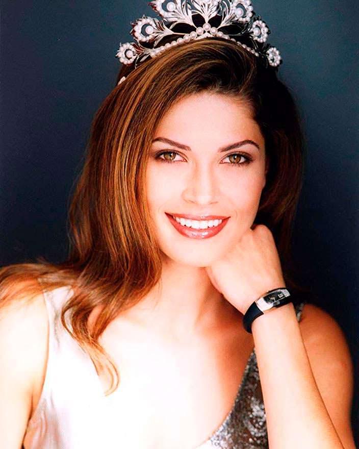 Жюстин Пасек - Мисс Вселенная родом из Украины