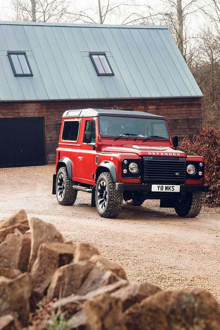 Классический Land Rover Defender Works V8