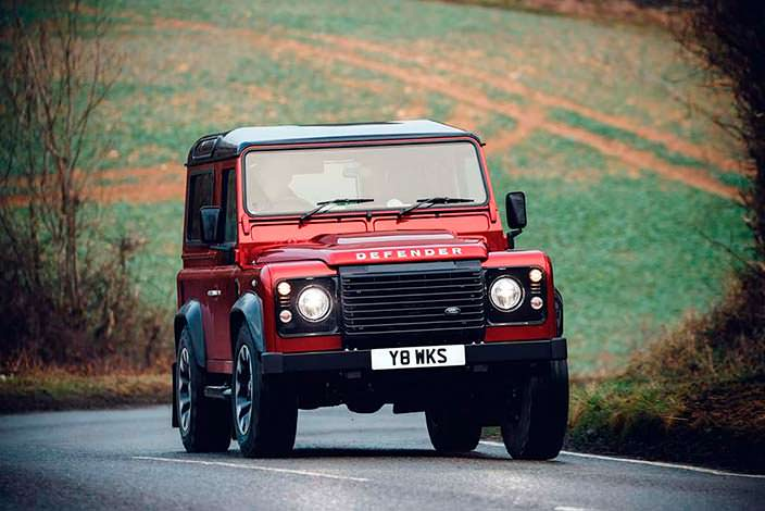 Спецверсия Land Rover Defender Works V8