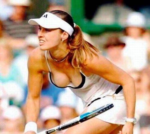 Фото | Мартина Хингис играет в теннис
