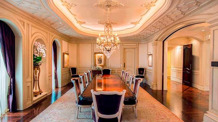 Столовая для официальных приемов в мега-доме Томаса Тулла