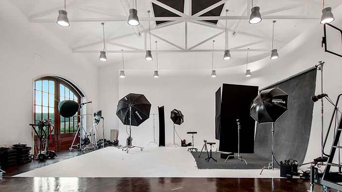 Фотостудия в доме миллиардера Томаса Тулла