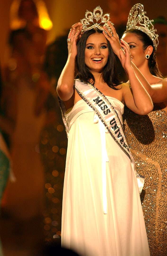Оксана Фёдорова - Мисс Вселенная 2002