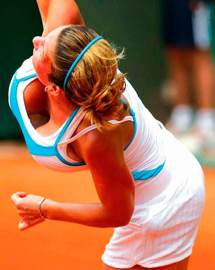 Фото | Симона Халеп играет в теннис