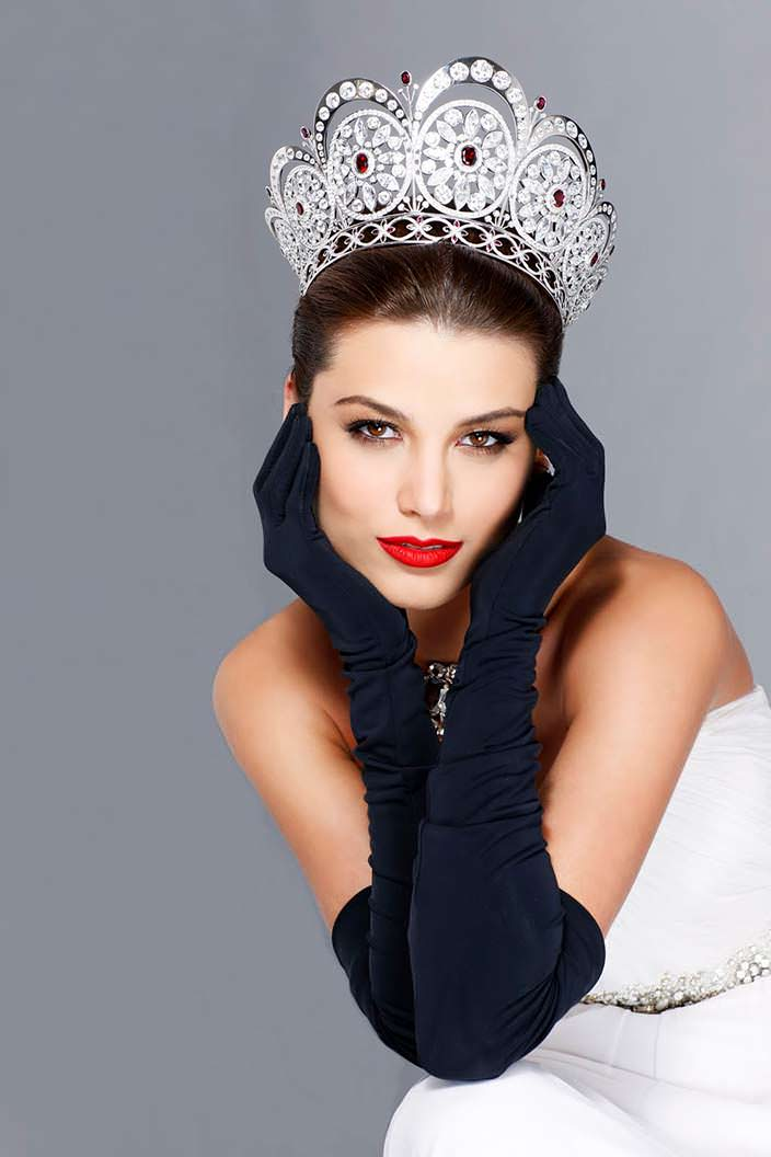Стефания Фернандес - победительница конкурса «Мисс Вселенная 2009»