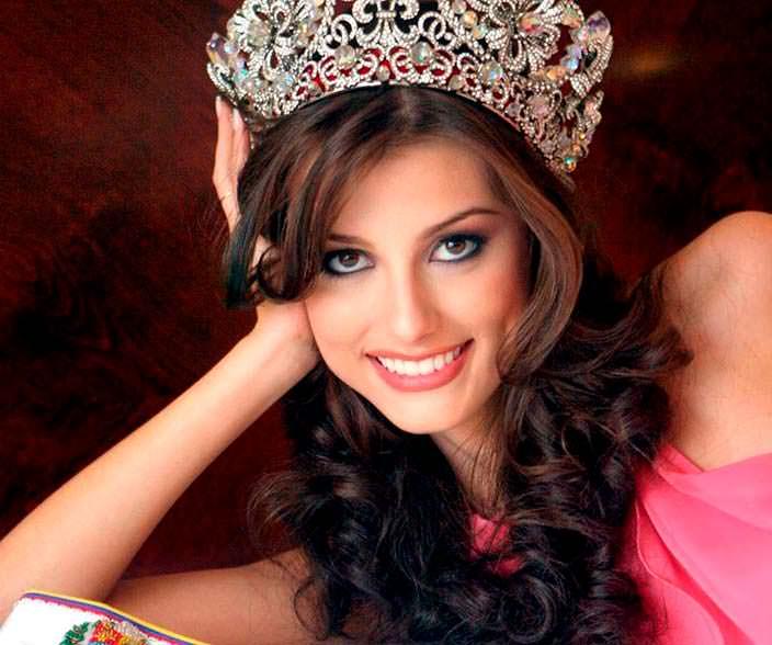 Стефания Фернандес - Мисс Вселенная из Венесуэлы