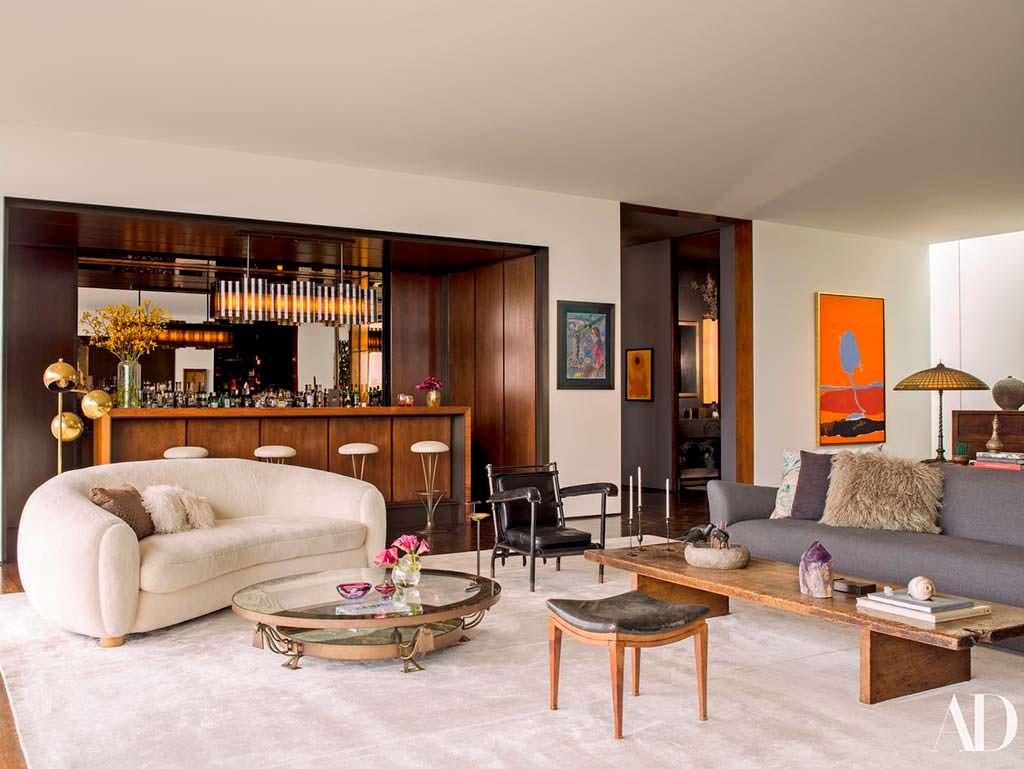 Классический дизайн гостиной в доме Дженнифер Энистон
